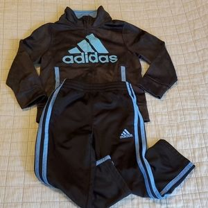Adidas 2 piece jogger outfit size 3T
